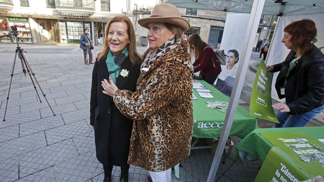 Carballo conmemoró el día internacional de la lucha contra el cáncer.Delfina Debén, en el centro de la imagen, superó una leucemia que le diagnosticaron en el 2014