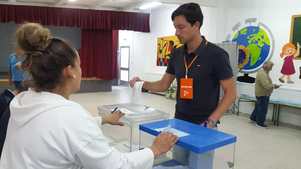 ELECCIONES 26M EN BUEU: VOTACIÓN DEL CANDIDATO A LA ALCALDÍA POR CIUDADANOS, JOSÉ CRUZ