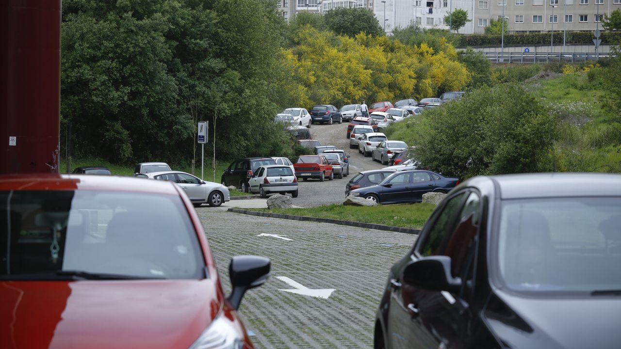 Rotación en el nuevo aparcamiento de ORA de Pontepedriña, colapso en el entorno en busca de estacionamiento libre