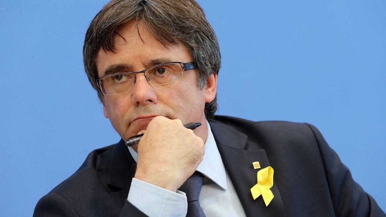 Torra y Puigdemont avisan a Sánchez de que se acaba su «periodo de gracia».Maragall y Batet (enfrente) presidieron la primra reunión de la comisión bilateral desde el 2011