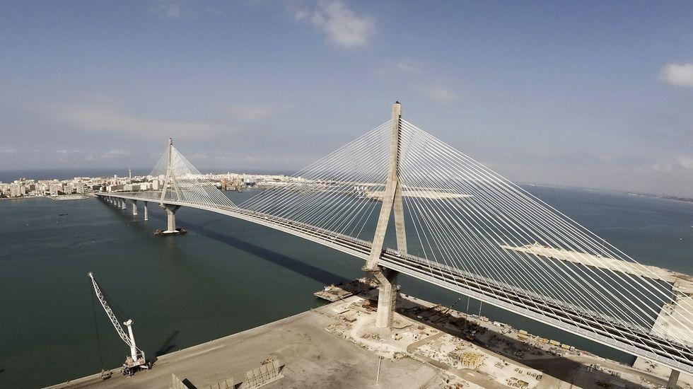 20 años después de los terremotos de Guilfrei.Vista de la ciudad de Cádiz.