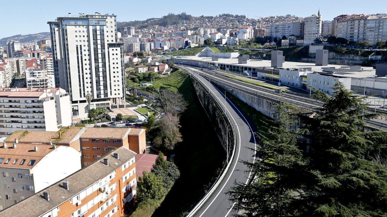 Emplazamiento del futuro ascensor entre García Barbón y la nueva estación intermodal