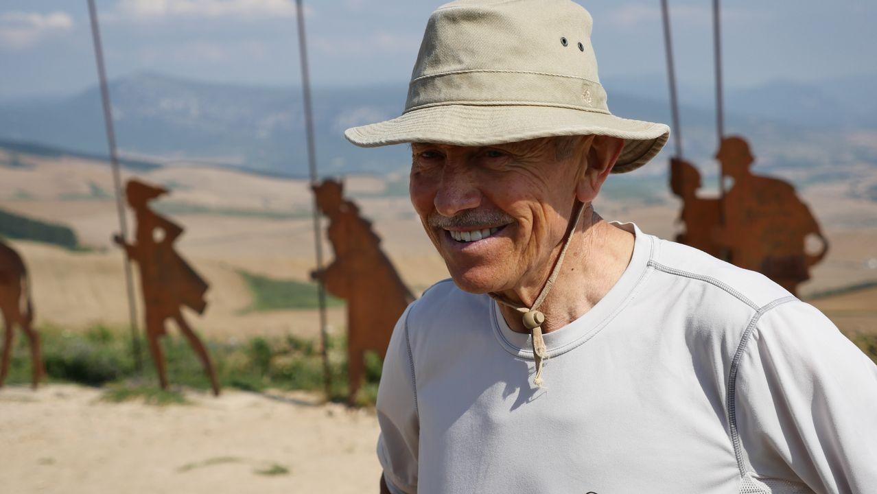 Pedro Luis, sevillano, está haciendo el Camino de Santiago