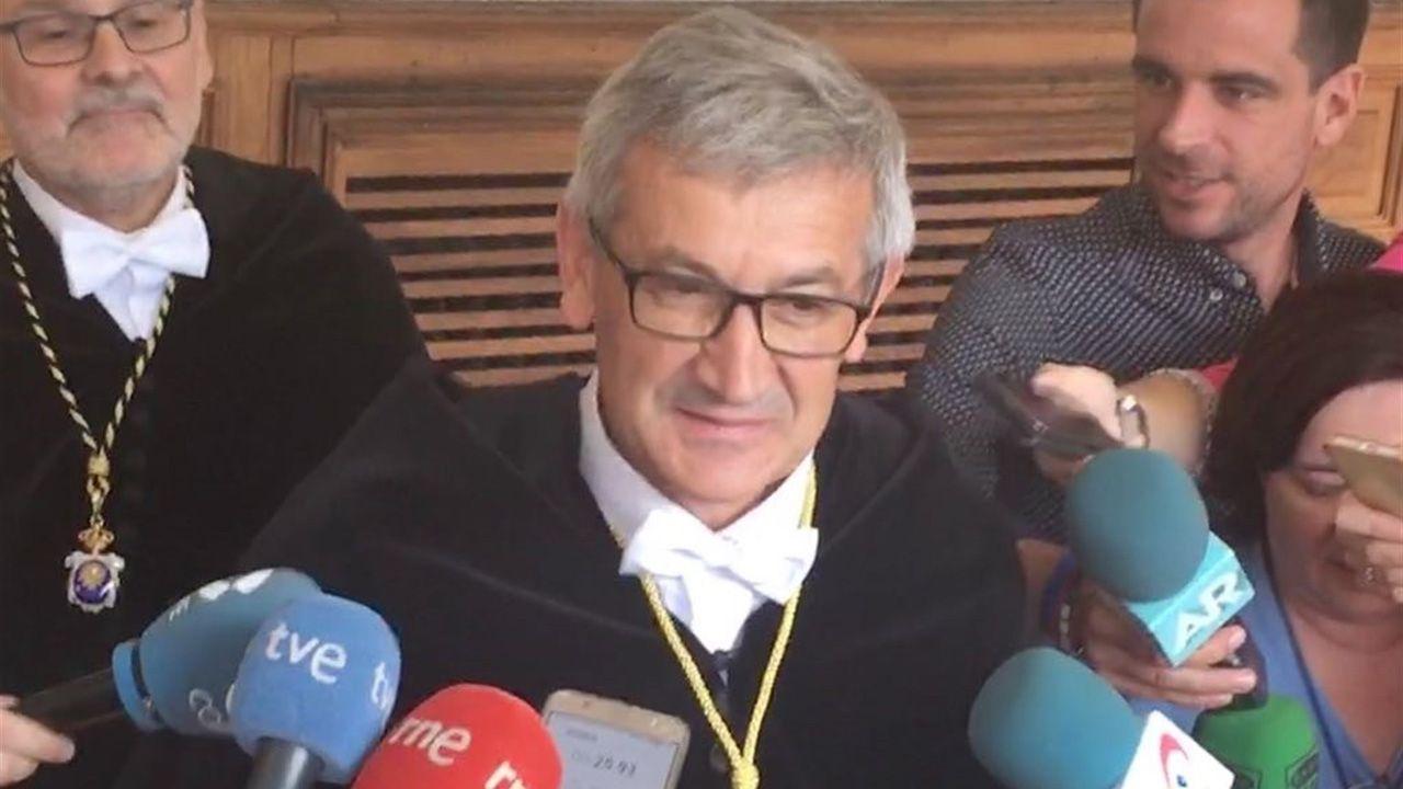 Las plazas asturianas, a reventar en el 8-M.Santiago García Granda, rector de la Universidad de Oviedo