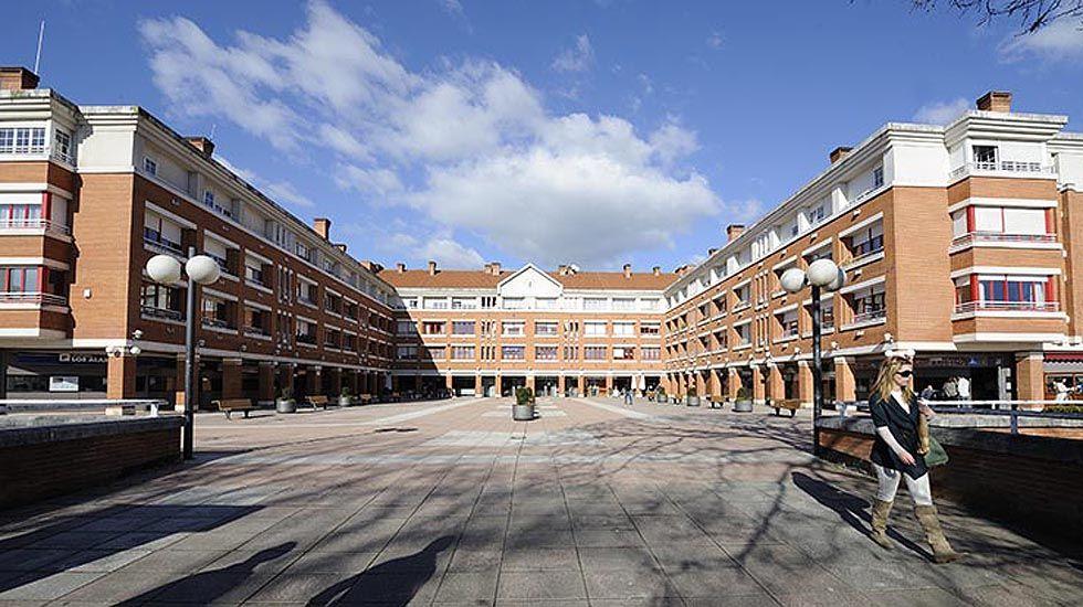 Plaza de la urbanización de La Fresneda.Plaza de la urbanización de La Fresneda
