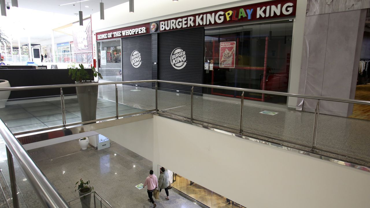 Burger KIng ha cerrado su restaurante de Odeón, pero sigue prestando servicio en Parque Ferrol y en su nuevo establecimiento de la carretera de Castelao