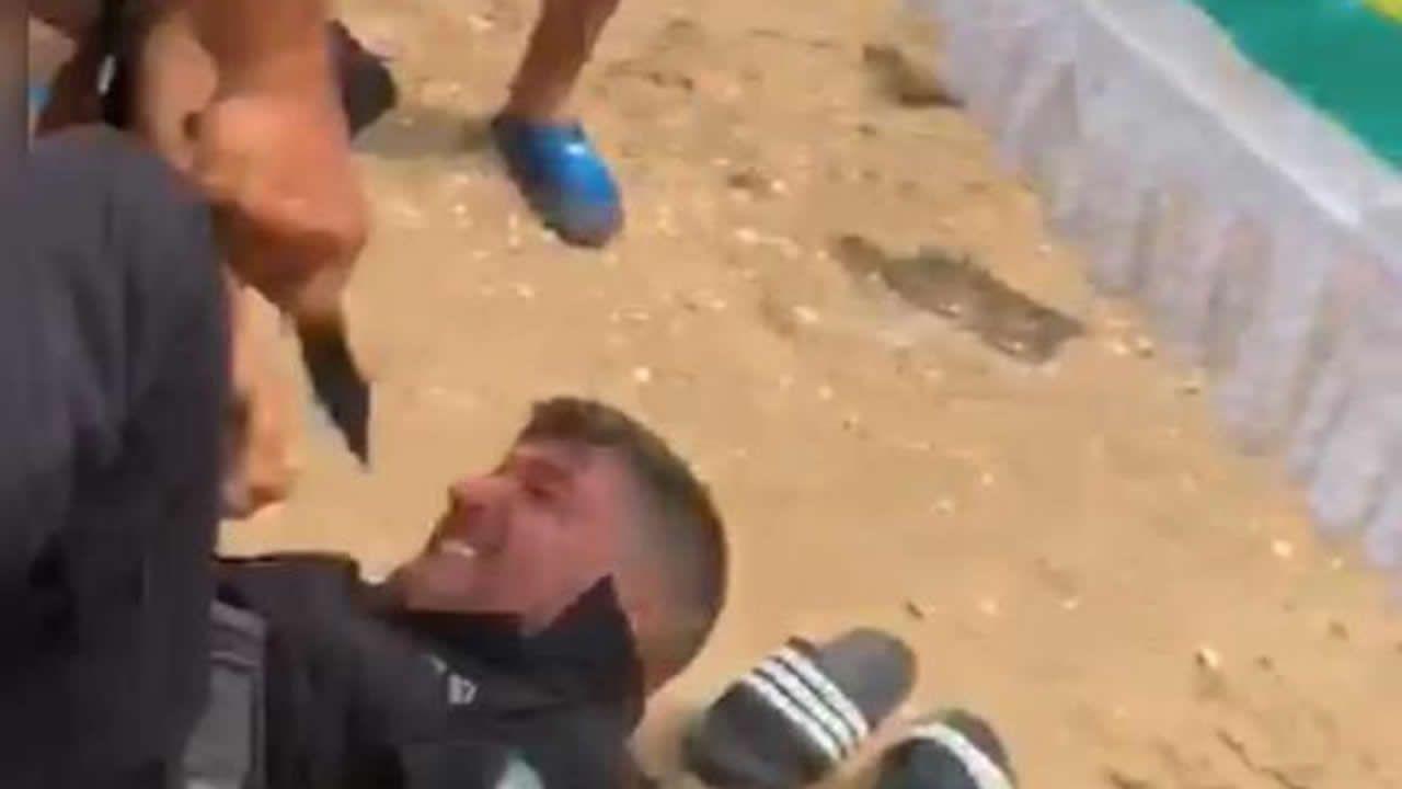 Un vendedor ambulante asesta tres puñaladas al jefe de la Policía Local de Punta Umbría