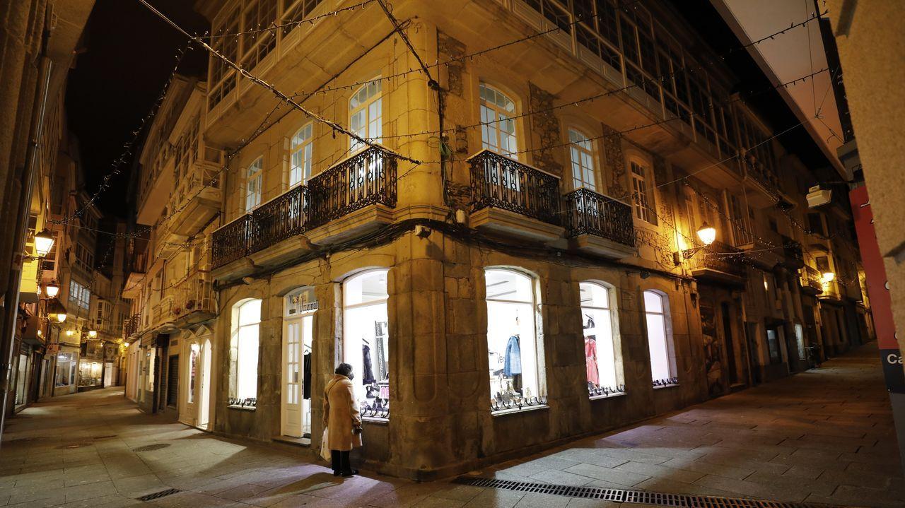El desconcierto y las limitaciones por el covid-19 se perciben a diario en las calles de Viveiro