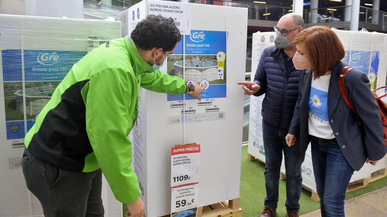 chales.Prueba PCR del coronavirus en el autocovid del Ventorrillo, en A Coruña