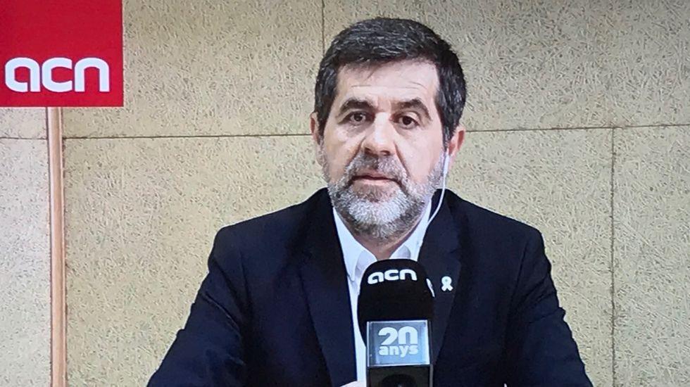 Álvarez de Toledo, de amarillo, y Arrimadas durante el debate de ayer en TV3