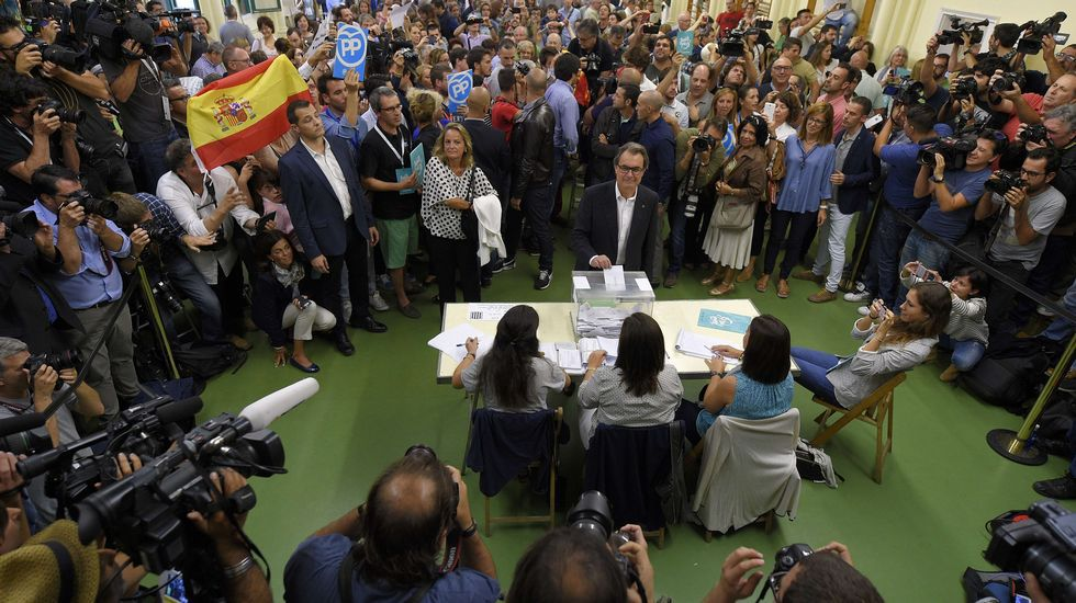 Momento en el que votó Artur Más, presidente de la Generalitat.