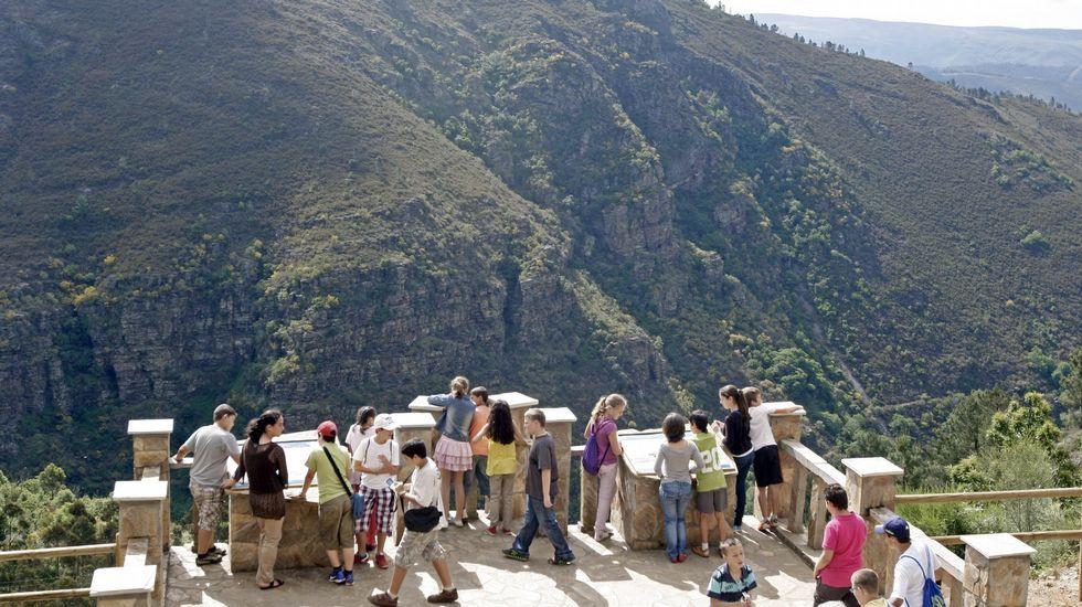 El mirador geológico de Campodola, construido en el 2004, recibe visitas escolares y turísticas con mucha frecuencia