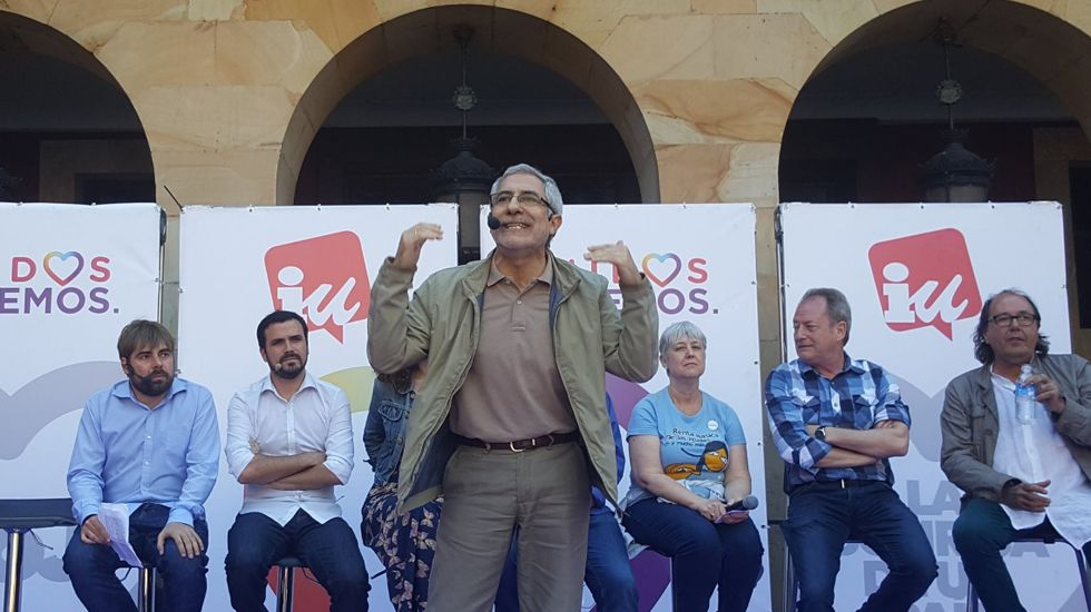 Llamazares, en un mitin junto a Daniel Ripa y Alberto Garzón, en Gijón