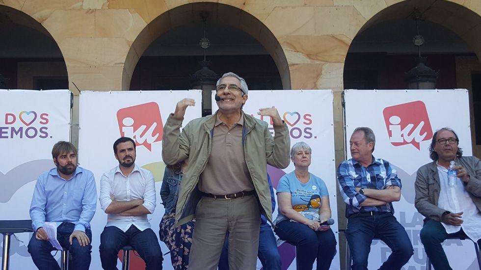 «Negrito» estrena GPS.Llamazares, en un mitin junto a Daniel Ripa y Alberto Garzón, en Gijón