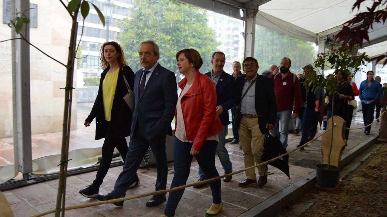 Oficialidad del asturiano.Cristina Pontón, Wenceslao López, Ana Taboada y Roberto Sánchez Ramos en la inauguración de la Feria de la Ascensión de 2017