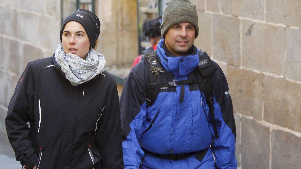 Fran Rivera llega a Santiago acompañado de su mujer, Lourdes Montes.El diestro Juan José Padilla se ajusta la montera antes de hacer el paseíllo en la ferial del 2014, la última celebrada en A Coruña.