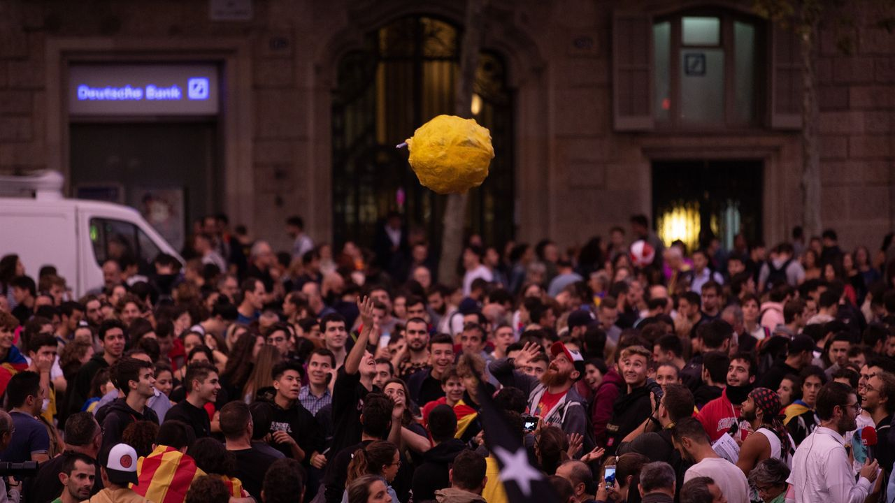 Manifestantes durante la protesta contra la sentencia del «procés» convocada por los CDR