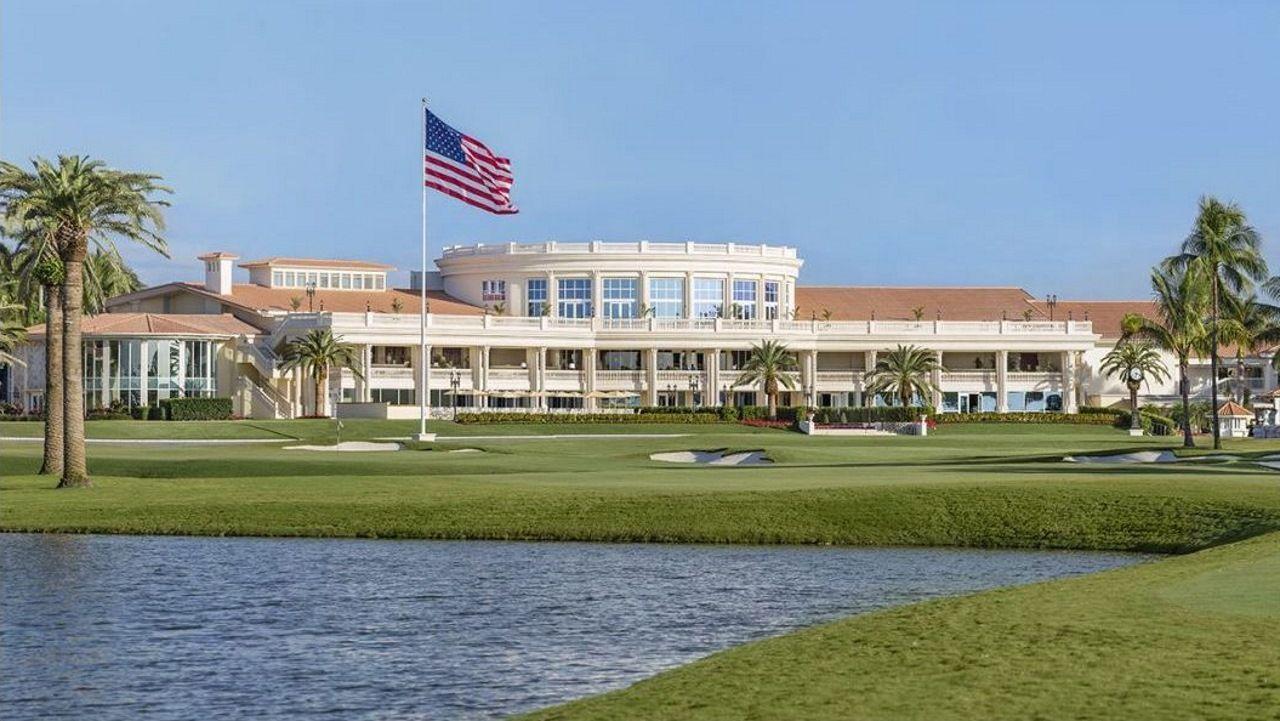 El Trump National Doral es un complejo turístico de lujo cuenta con campo de golf y spa