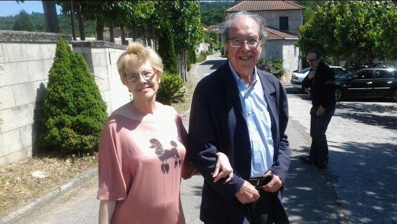 Luis González Seara, con su hermana Mercedes en su última visita a A Mezquita