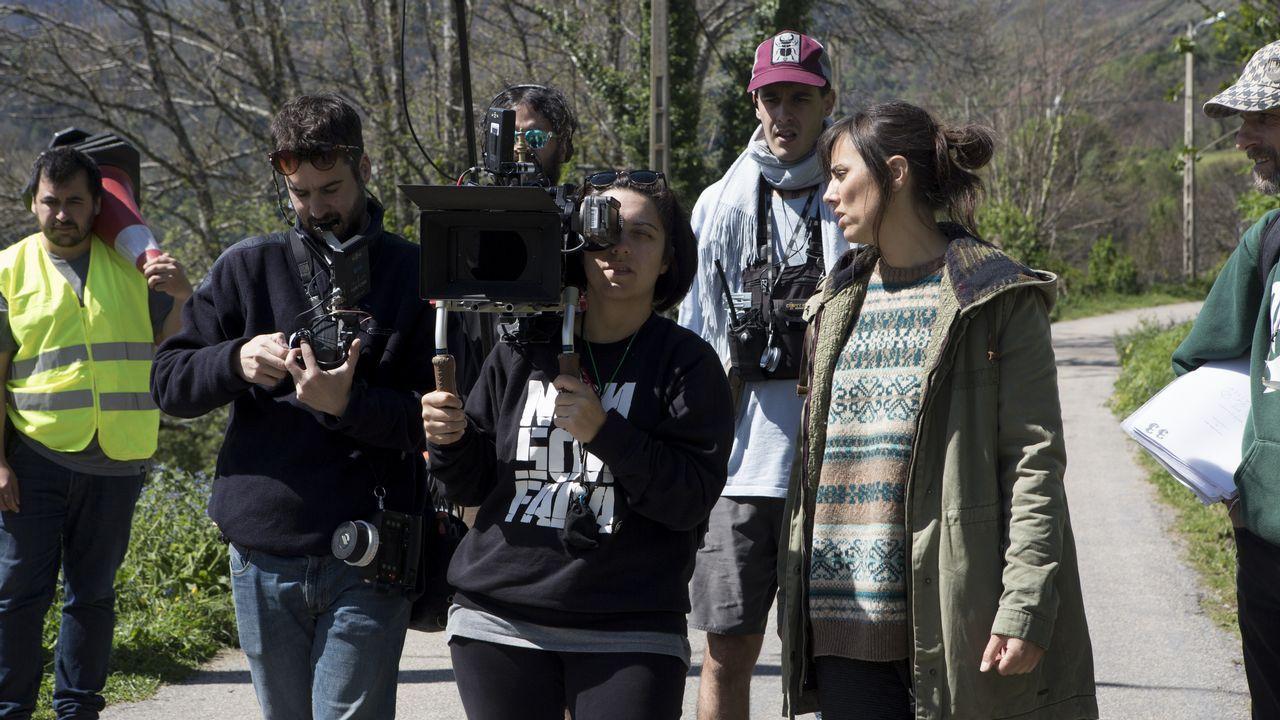 Liliana Torres, a la derecha, durante las primeras sesiones de rodaje en O Courel