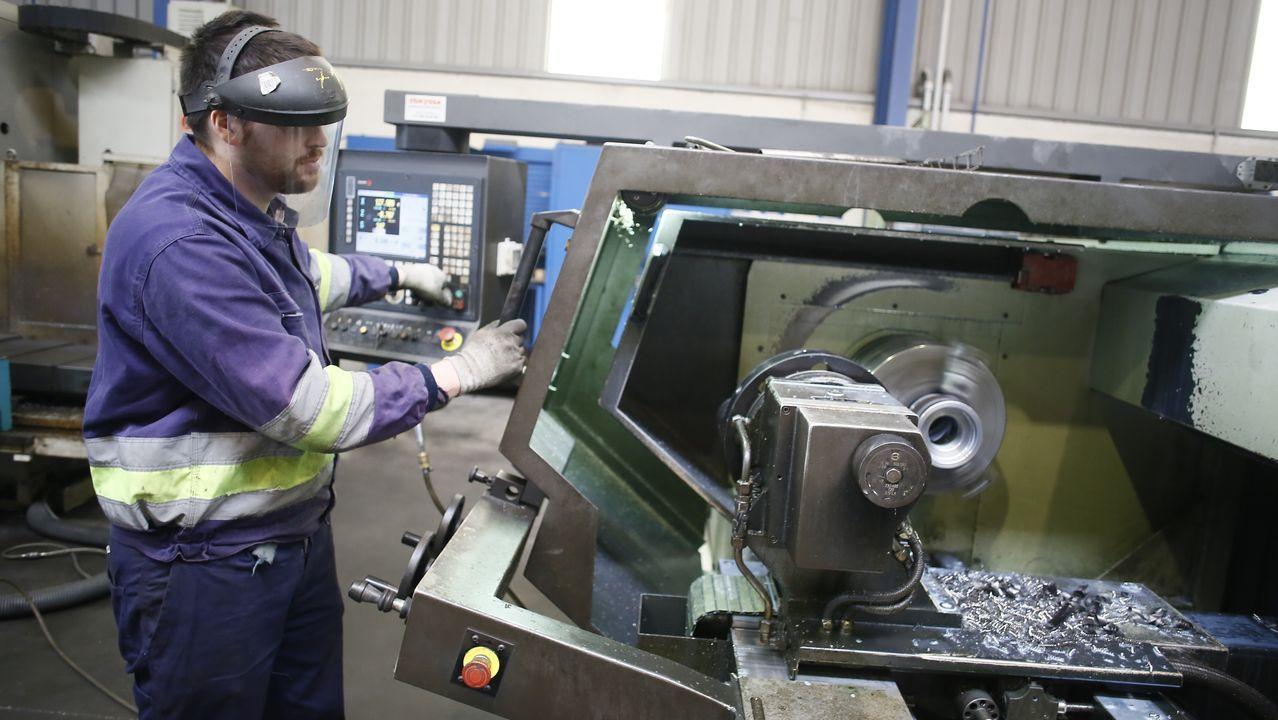 Empresas como Coryma, situada en el polígono industrial de Xove, reanudaron este lunes el trabajo
