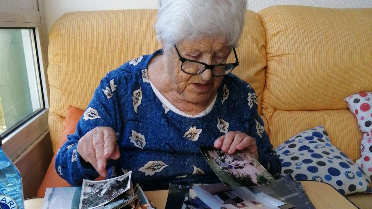 A Mariña recordará con gran cariño a la escritora Luz Pozo.Pablo Casado felicita a Pedro Sánchez, el 7 de enero, tras su investidura como presidente del Gobierno