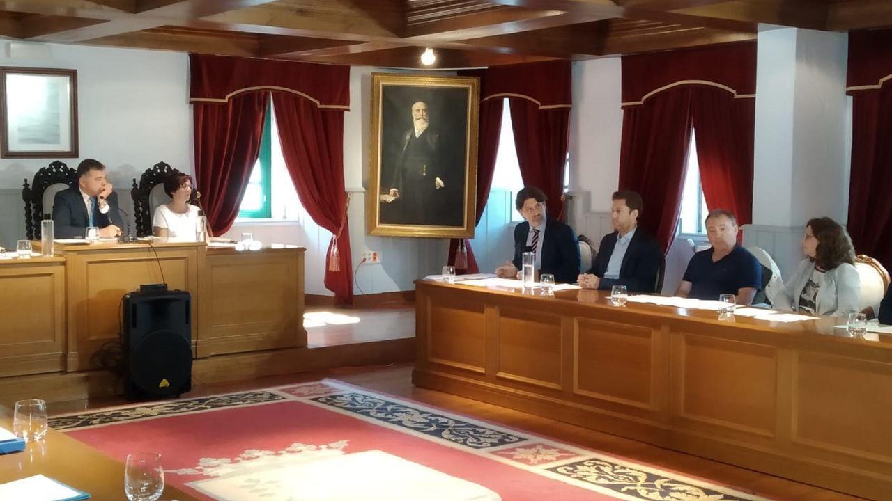 Corina Porro, «de regreso» en Vigo.Xosé Manuel Pazos durante la toma de posesión