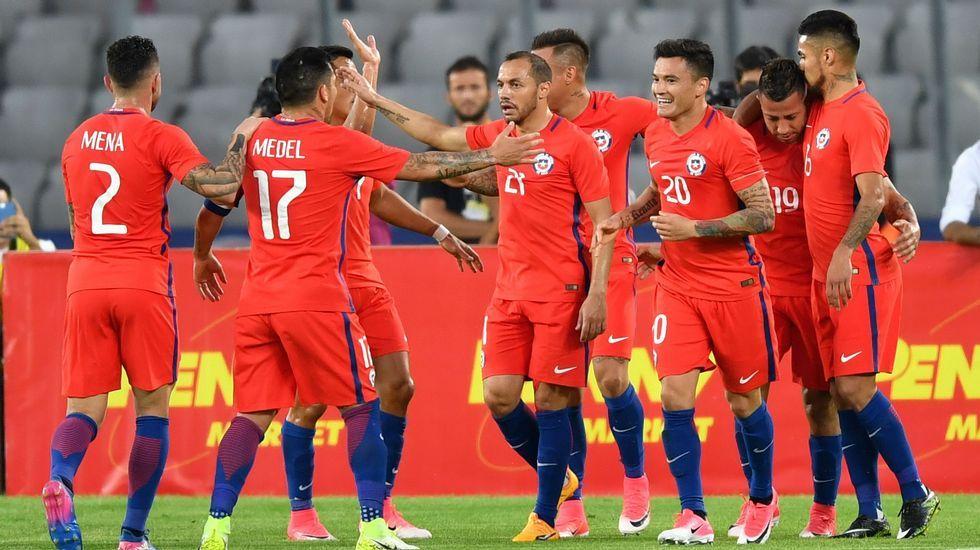 Resumen Chile 2-0 Camerún