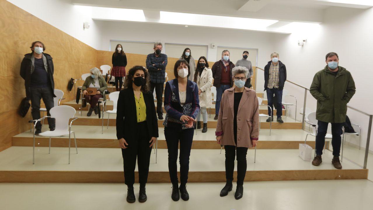 Vídeo de felicitación del año nuevo de Ana Pontón.Pontón reuniuse con representantes do sector cultural