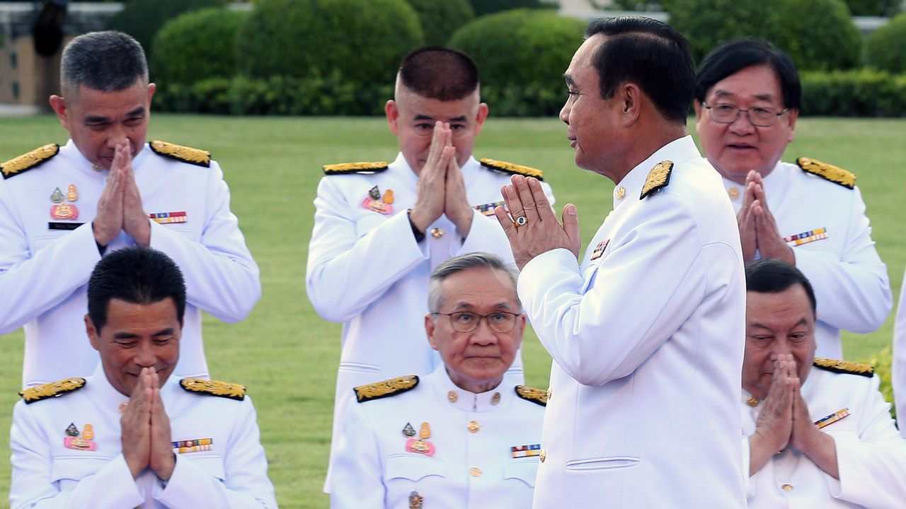 Recepción a los futuros oficiales de la Armada.El general Prayut Chan-ocha repite como primer ministro al frente del Gobierno de Tailandia