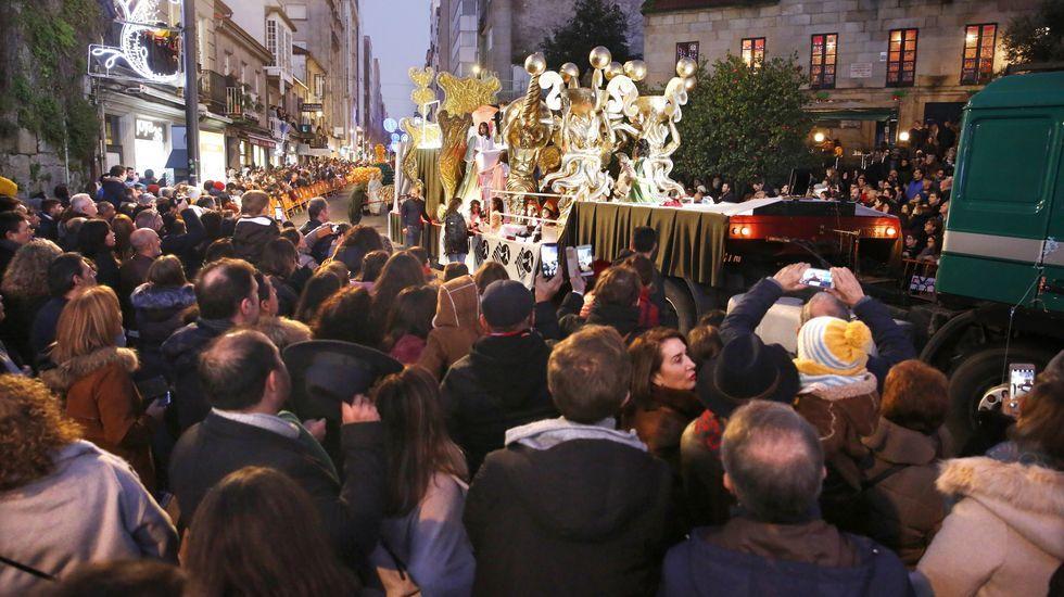 Los Reyes Magos ilusionan en Pontevedra.Brión