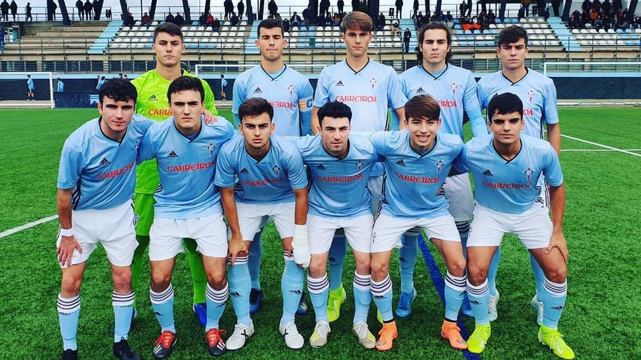 El Celta B-Oviedo B, en imágenes.Fran López, en el centro, fue el goleador del Celta en el mismo partido en el que sufrió el choque esta mañana