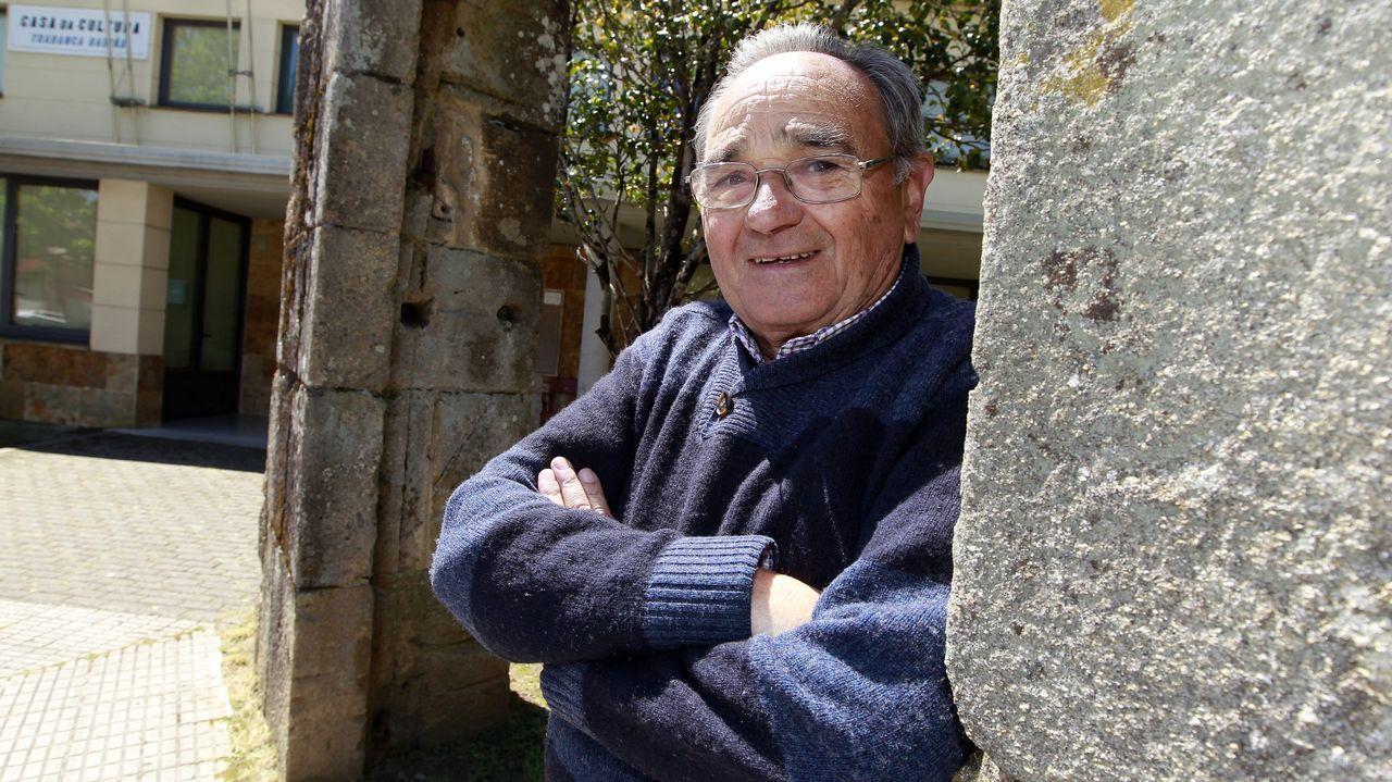 El Seprona incauta dos colmillos de elefante y un copón de marfil en Cambre.Faustino fue nombrado militante de honor del PSOE de Vilagarcía hace cinco años