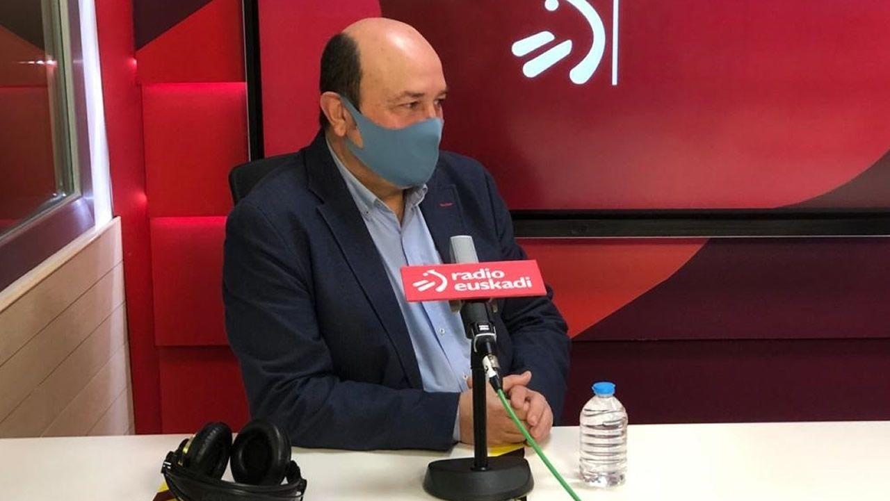 Entrevista a Emilio Ontiveros:¿En qué situación está la economía española tras un año de pandemia?.El presidente del Euzkadi Buru Batzar del PNV (EBB), Andoni Ortuzar.