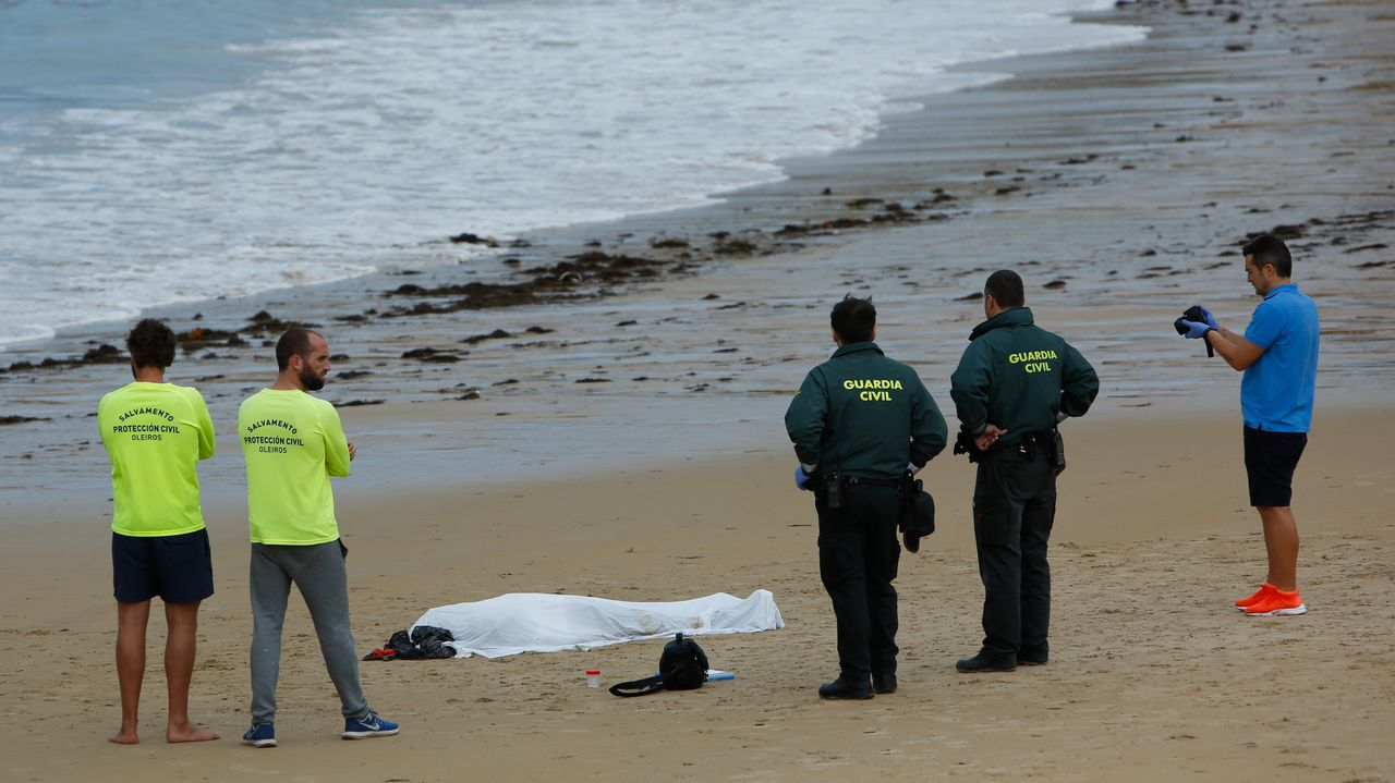 Aparece un Cadáver en la playa de Mera