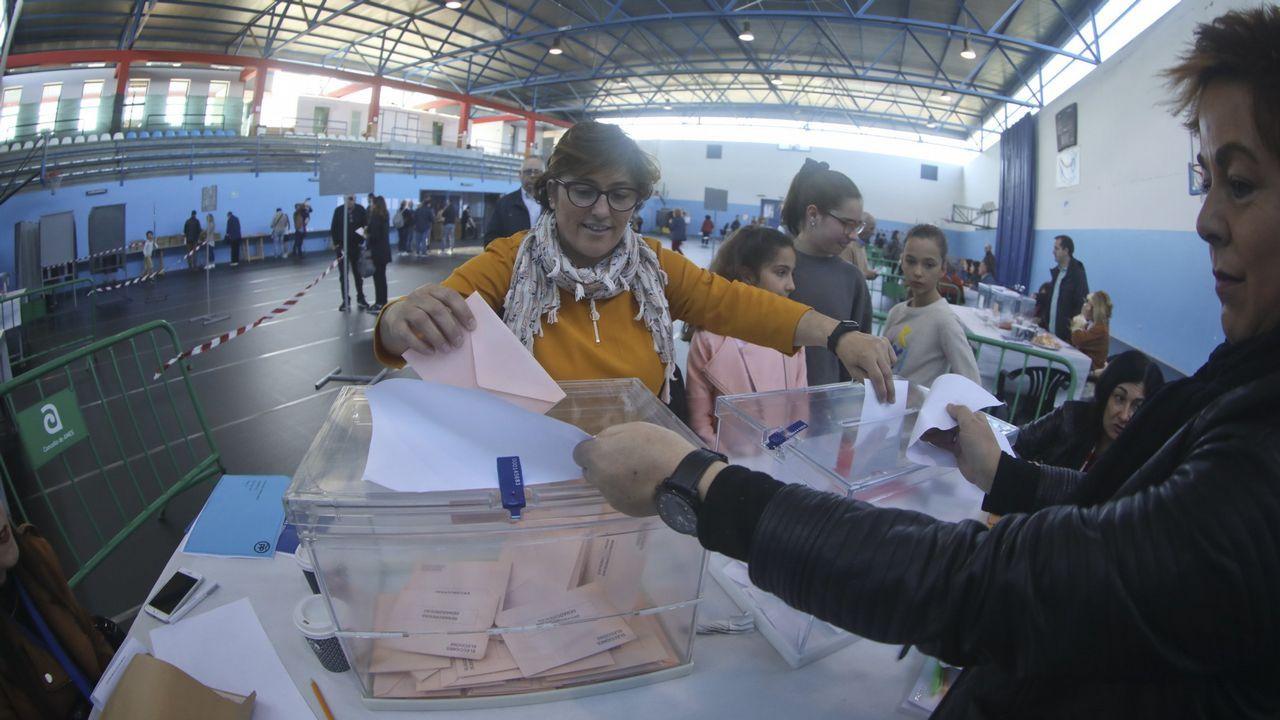 El último adiós a Rubalcaba, en imágenes.Sánchez, recibiendo a Iglesias antes de la reunión en la Moncloa