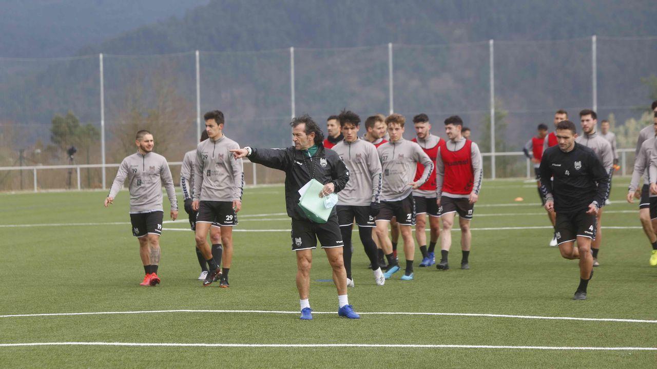 gol Javi Mier Real Oviedo Mallorca Carlos Tartiere.Ricardo Rodríguez
