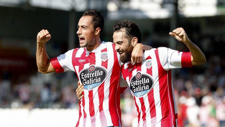 Toda la actualidad de la jornada de Segunda división.Borja Gómez se abraza a Luis Fernández después de marcarle un gol al Zaragoza.