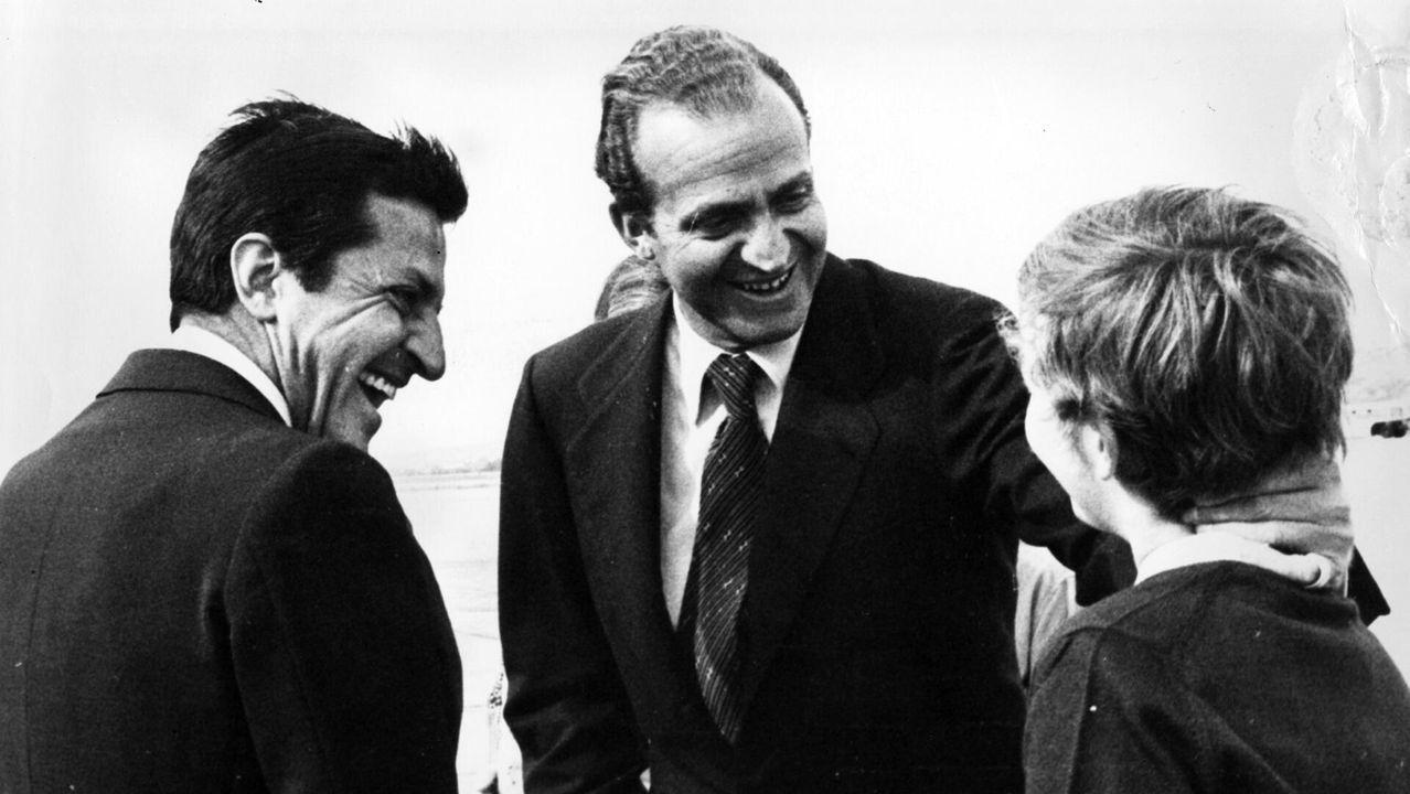 Las imágenes de la visita real a La Vega.Juan Carlos I, con Adolfo Suárez y un joven príncipe Felipe