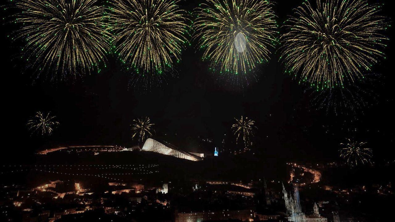 Así fue el paso de La Fura dels Baus por Compostela.Guadi Galego, Triángulo de Amor Bizarro, Mikel Eretxun, Kiko Veneno y Marlango, entre las citas imperdibles del mes en Galicia