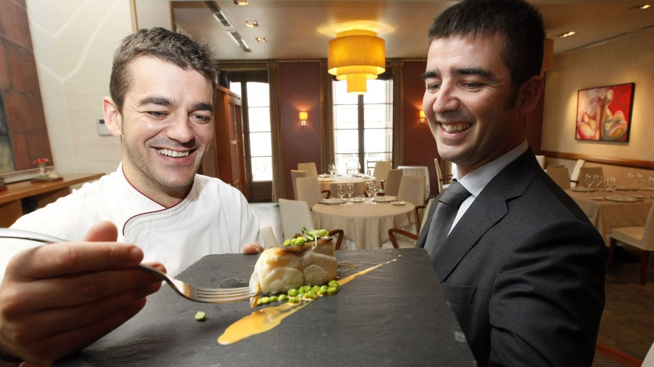 Héctor en la cocina y Francisco en la gerencia siguen la tradición del España