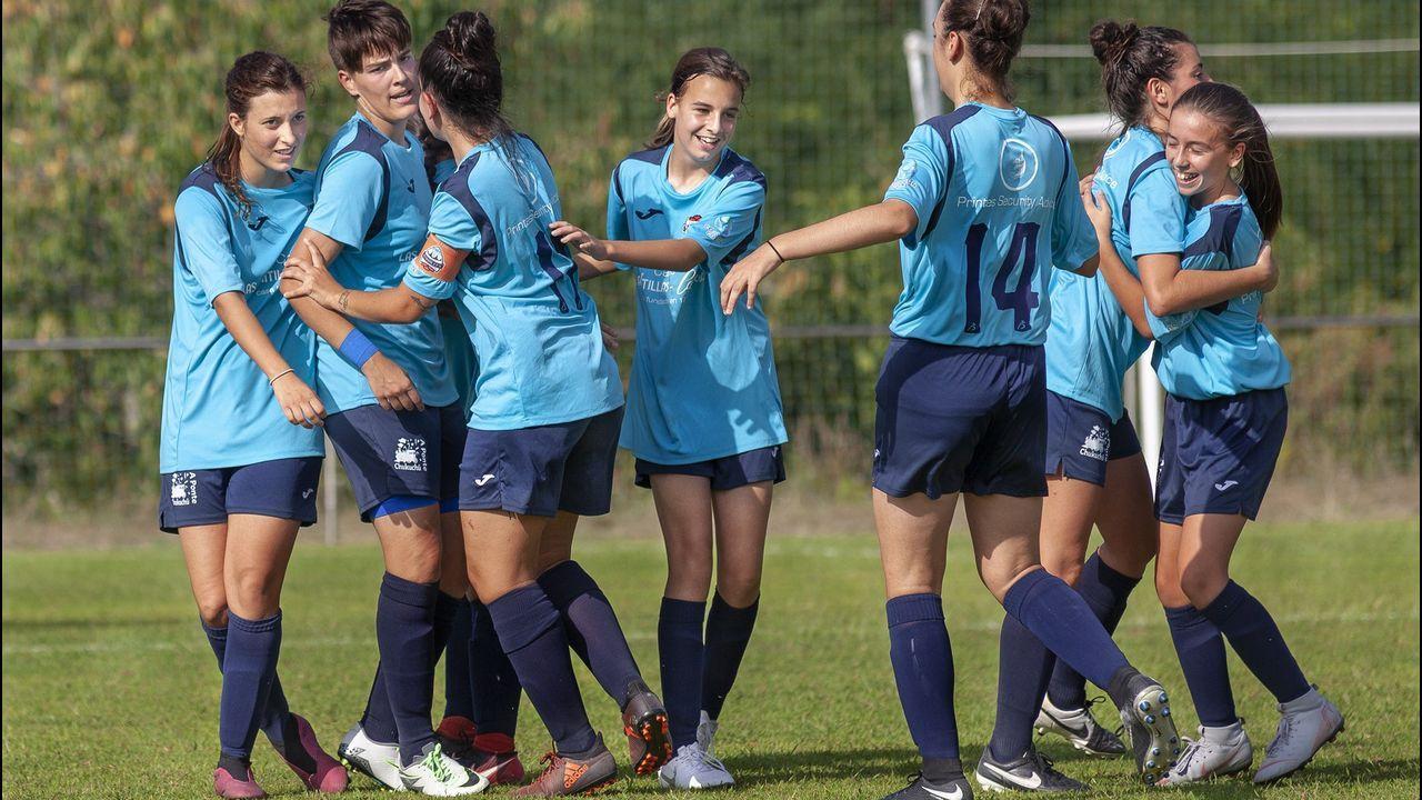 O Domingo das Mozas Lugo vistese e soa a galego.A escritora Marina Mayoral