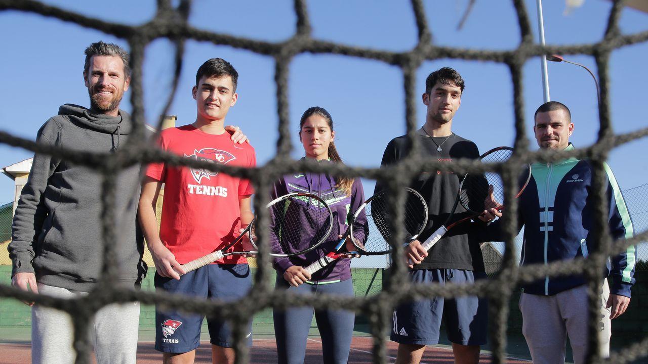 8M en Vigo.Ana Taboada, Cristina Tuero Ordoñez y Jose Maria Estrada Janariz