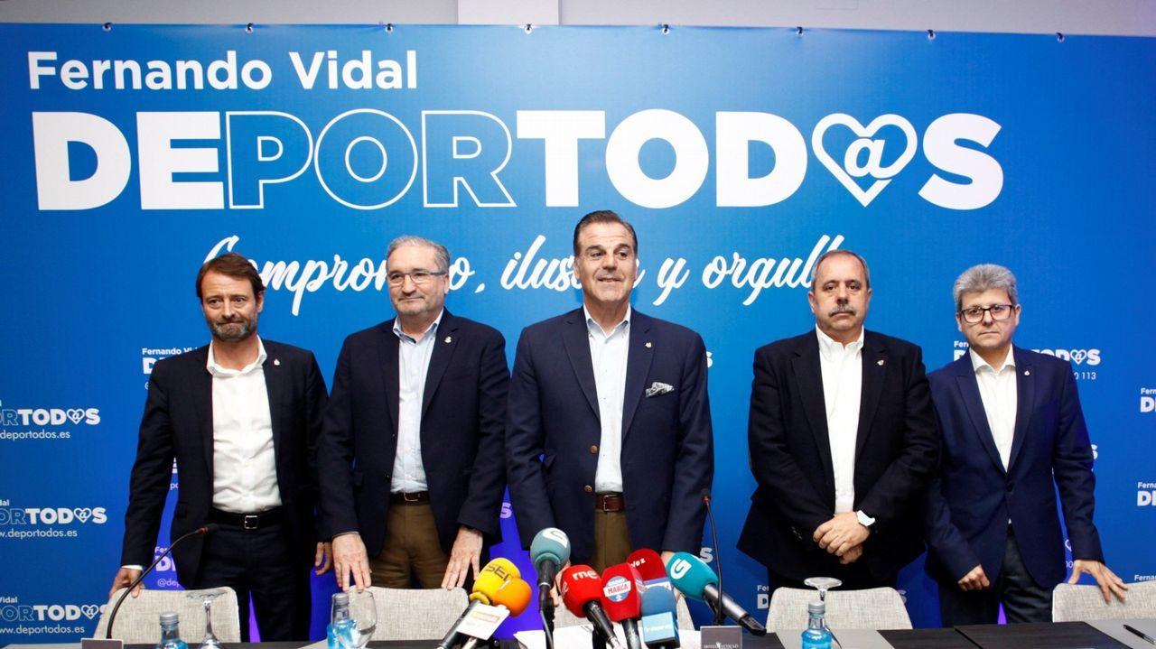 EN DIRECTO: Junta de accionistas del Deportivo.Paco Zas vivió en el palco de Son Moix su primer gran revés como presidente del Deportivo.