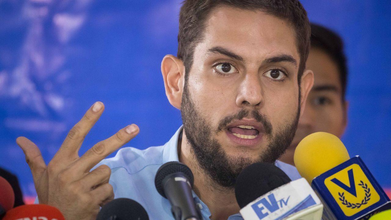 Imagen de archivo del opositor venezolano Requesens, en una rueda de prensa en Caracas en mayo del 2018