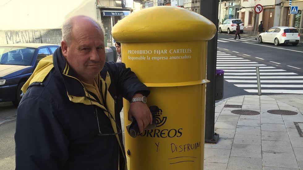 Franco, fuera del Valle de los Caídos 44 años después.Manuel Reija, el lotero coruñés, en una imagen de archivo