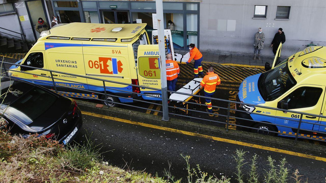Exterior del área de urgencias del hospital Montecelo, en Pontevedra
