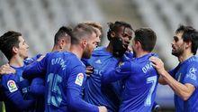 Los futbolistas azules celebran el gol de Ibra ante el Huesca
