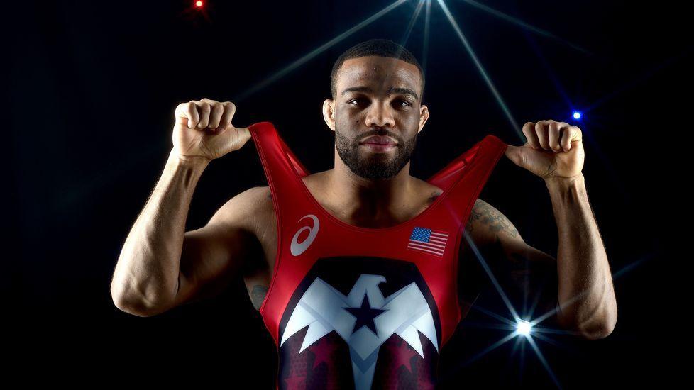 El luchador Jordan Burroughs, durante el posado