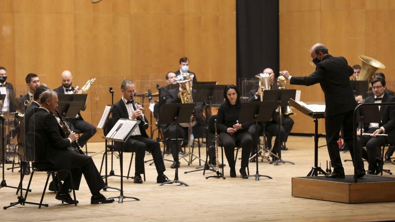 Pelamios, en imágenes.Joana Carneiro ensalza a los músicos de la Filharmonía
